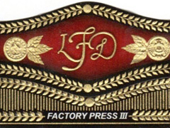 La Flor Dominicana Factory Press III, Flat press Toro